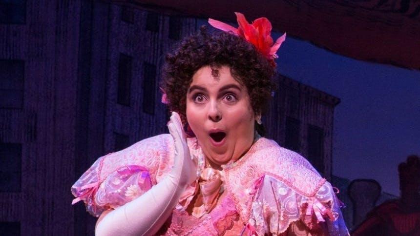 5 Clips of Funny Girl's Beanie Feldstein Proving She's The …