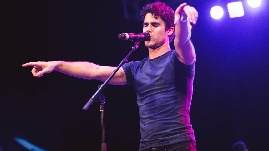 6 Crowd-Pleasing Darren Criss Clips From Elsie Fest Returni…