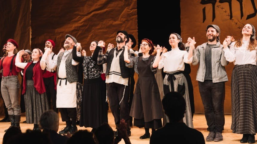 Hot Clip of the Day: Fiddler on the Roof in Yiddish's Winni…