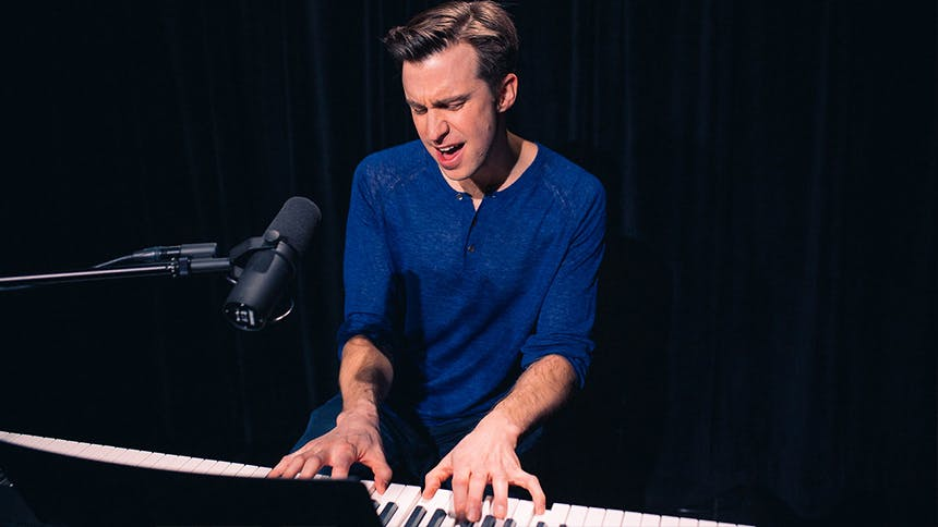 Waitress Star Gavin Creel Performs an Absolutely Stunning R…
