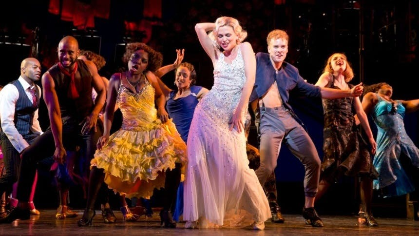 Hot Clip of the Day: Having a WILD PARTY at Encores! Off Ce…