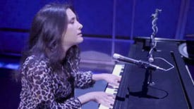 """Get Your First Glimpse of Beautiful's New Headliner Vanessa Carlton Singing Carole King's """"Beautiful"""" on Broadway"""