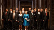Helen Mirren as Elizabeth II and the cast of 'The Audience'
